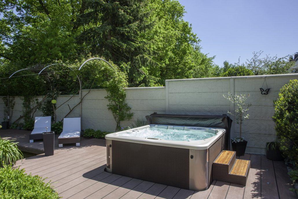 Whirlpools zinsser poolbau - Riviera pool ...