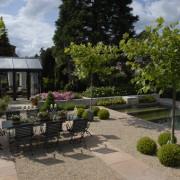 Schwimmteiche im Garten zur Entspannung und Erholung, Wellness für Körper und Seele