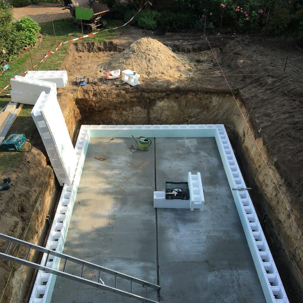gemauerte pools als komplettset zinsser poolbau. Black Bedroom Furniture Sets. Home Design Ideas